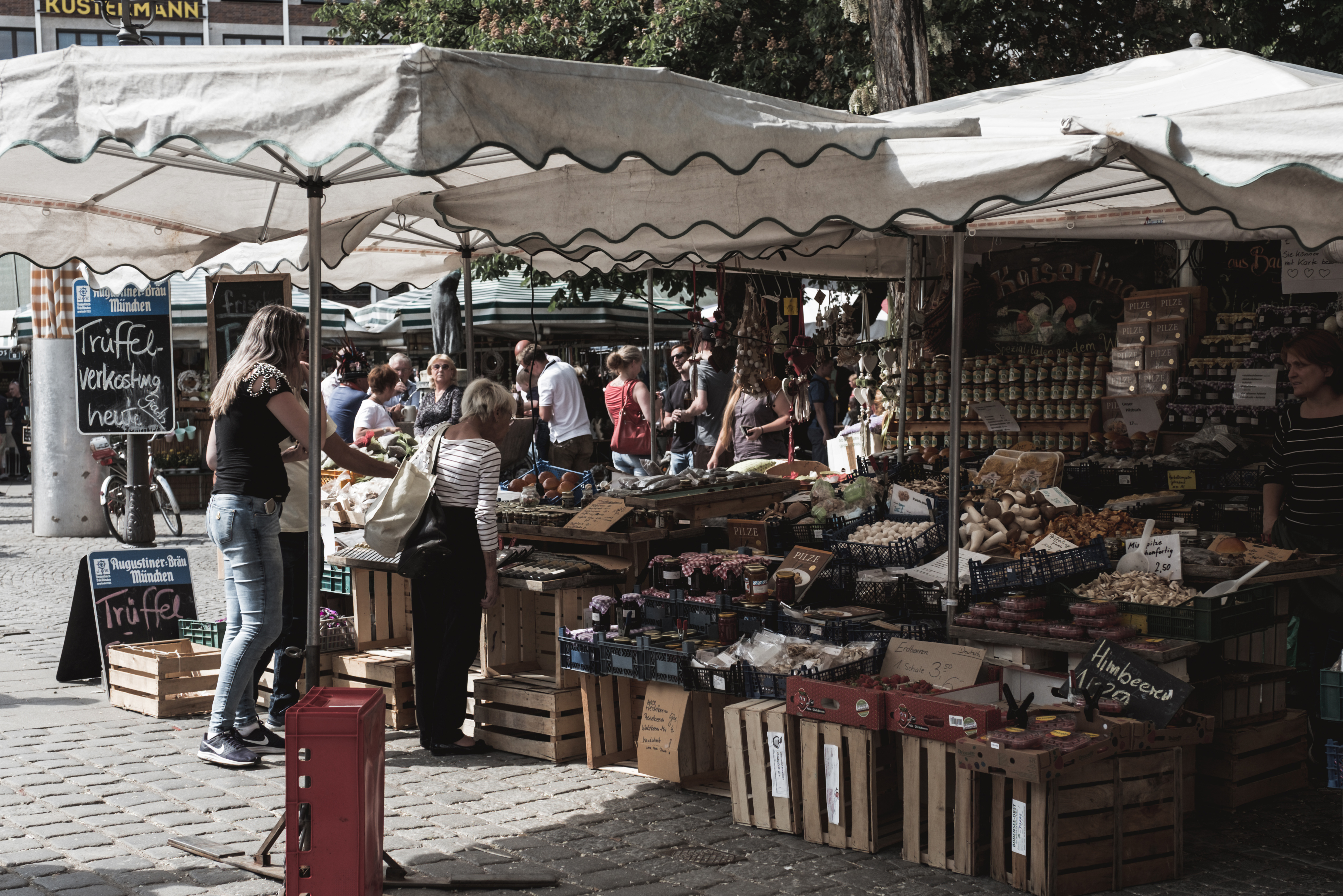 Munich-Viktualienmarkt-2-lemonetorange-baviere-allemagne-city guide